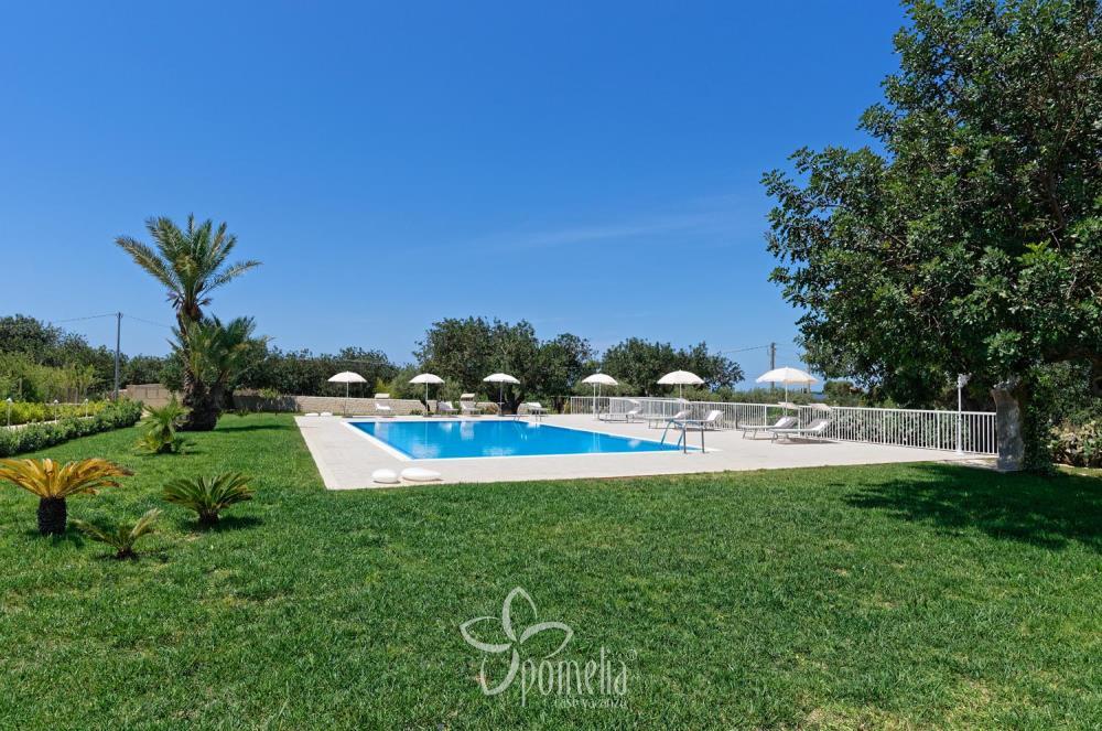 Maison De Vacances Gelsomino Avec Piscine En Punta Secca